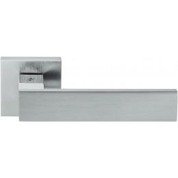 Дверная ручка на квадратном основании COLOMBO Alba LC91RSB-CR8 полированный хром / матовый хром